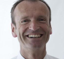 Dr. Christian Plas